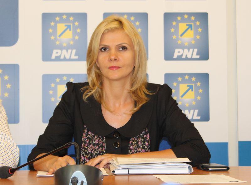 Claudia BOGHICEVICI: Rezoluția Ligii Aleșilor Locali PNL pe tema salarizării unitare solicită elaborarea unei legi bazată pe profesionalism și echitate și nu pe calcule meschine electorale