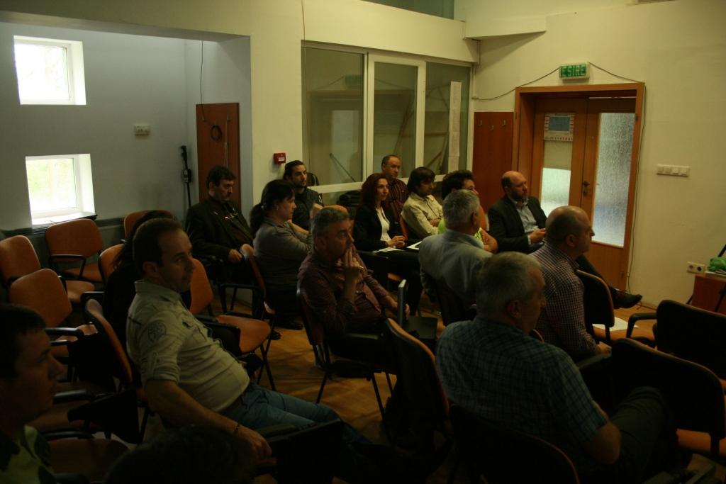 """Sesiunea de întrebări şi răspunsuri """"Turismul şi exploatarea de lemn în Pădurea Ceala"""""""
