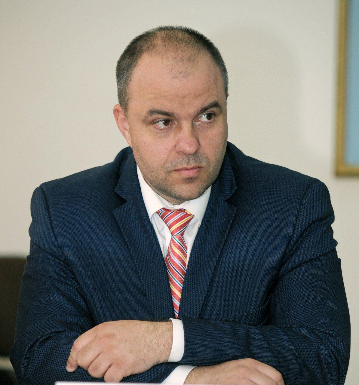 """Adrian Todor: """"Ţolea ar trebui să ceară demisia lui Falcă, din pricina stagnării salariilor din Primăria Arad"""""""
