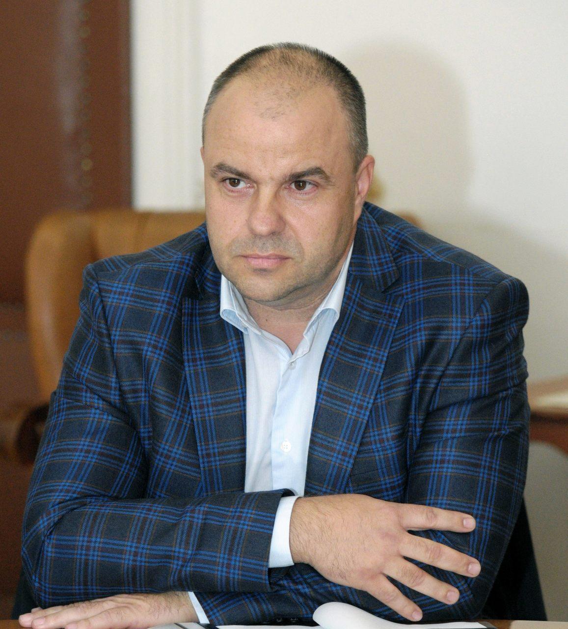 """Adrian Todor : """"PNL Arad folosește resursele primăriei și consiliului județean în lupta politică"""""""