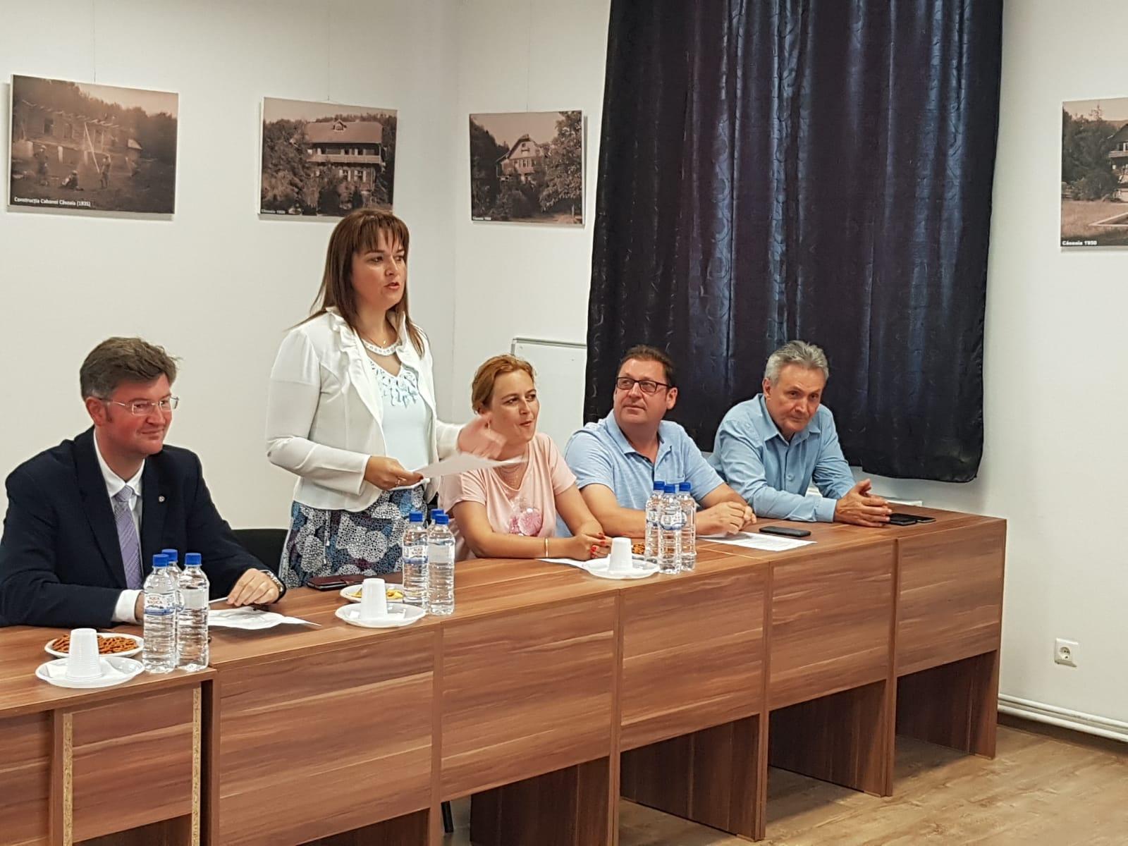 """Școala de vară de la Căsoaia: un proiect al Universității """"Aurel Vlaicu"""" și CJA"""