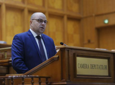 "Adrian Todor: ""Zeci de școli din județul Arad vor beneficia de internet gratuit, printr-un program guvernamental"""